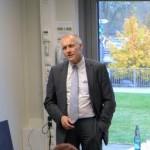 Herr Dr. Wolram spricht